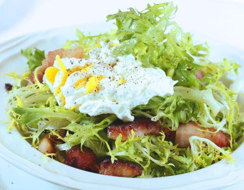 The Quintessential French Bistro Salad