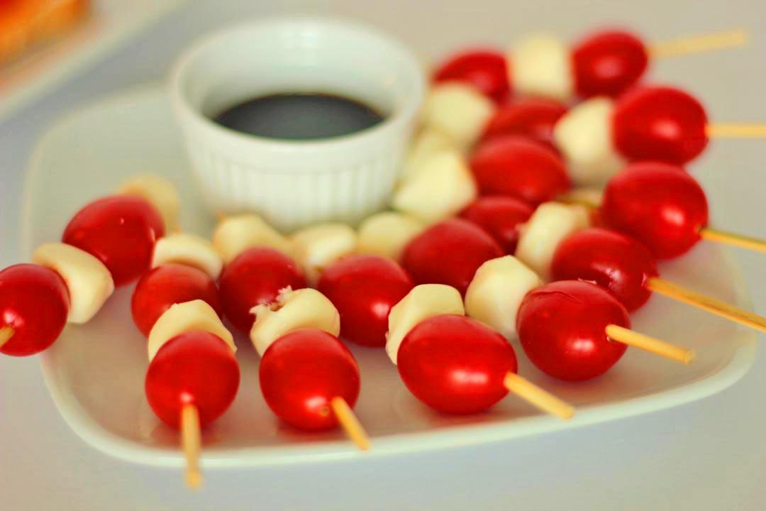 Baby Plum Tomatoes with Mini Mozzarella Balls