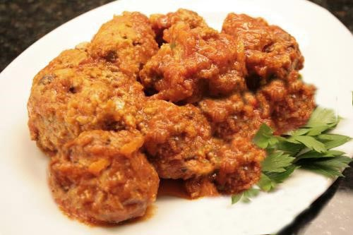 Italian Style Meat Balls in Red Sauce