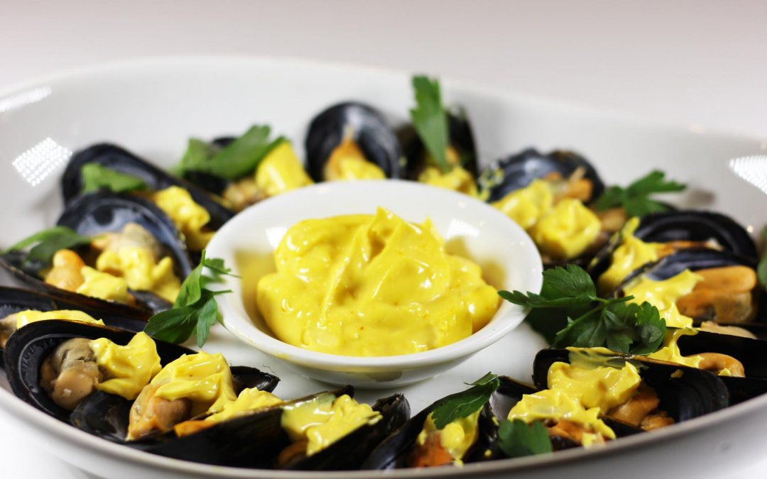 Chilled Mussels with Saffron Mayonnaise