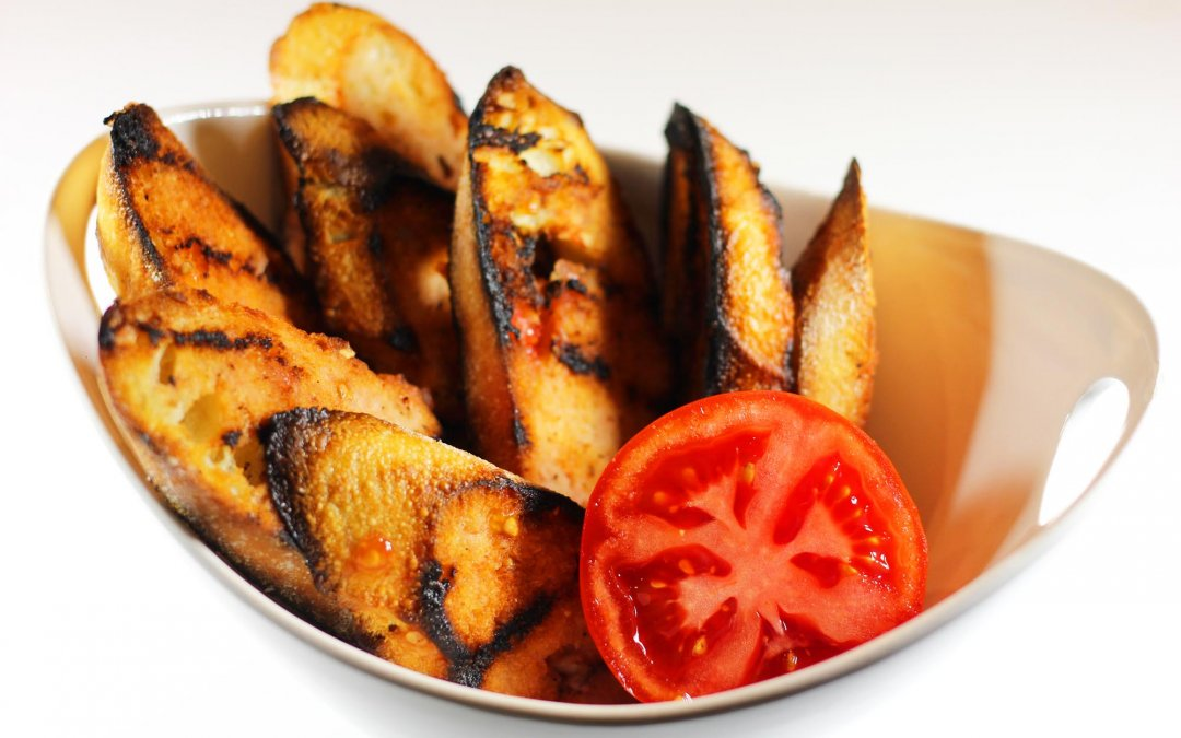 Grilled Baguette with Fresh Tomato Rub