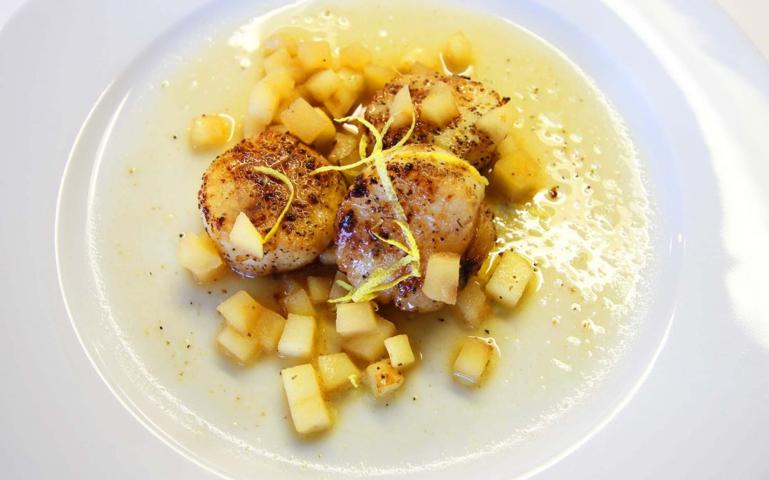 Butter Seared Scallops with Apple Pan Sauce